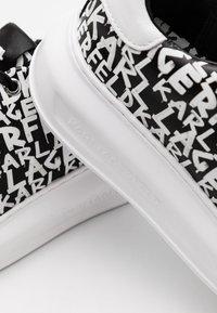 KARL LAGERFELD - KAPRI GRAFFITI LACE - Sneaker low - black/white - 4