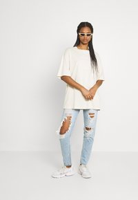 Monki - CISSI TEE - Print T-shirt - beige dusty light - 1