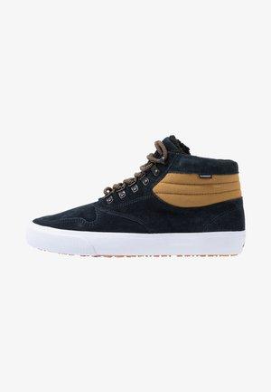 TOPAZ C3 MID - Höga sneakers - navy breen