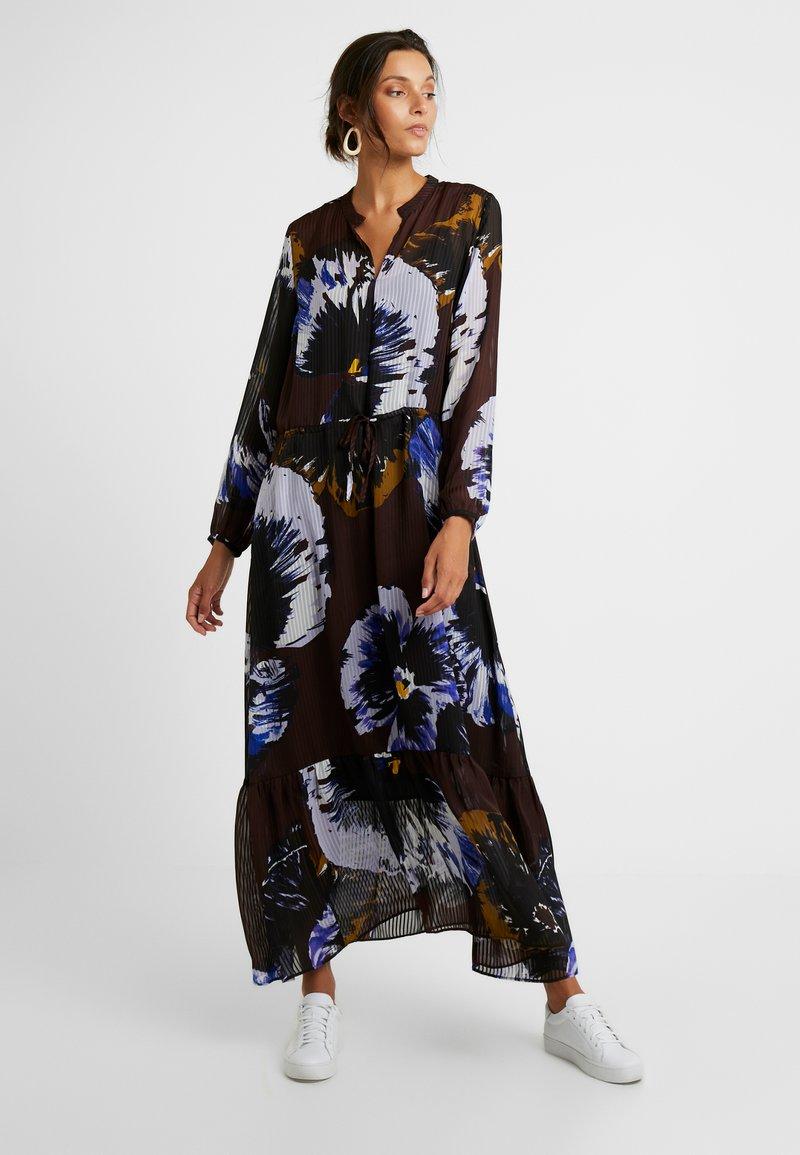 InWear - KALISTAIW LONG DRESS - Maxi dress - bitter chocolate