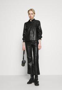Vero Moda - VMSERENA SHIRT - Camisa - black - 1