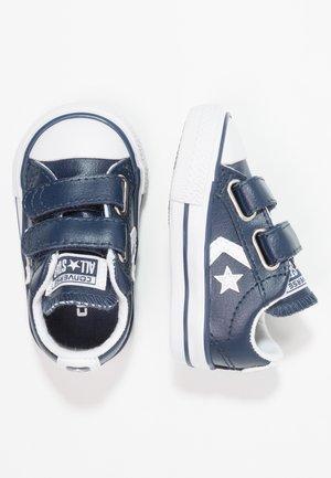 STAR PLAYER INFANT - Lær-at-gå-sko - navy/white
