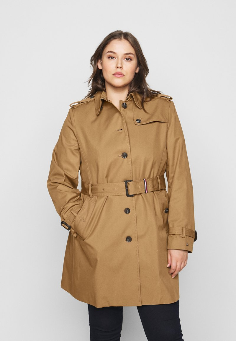 Tommy Hilfiger Curve - Trenchcoat - countryside khaki