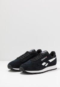 Reebok Classic - Sneakers basse - black/white - 2