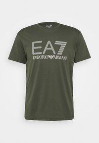 EA7 Emporio Armani - Print T-shirt - dark green/white - 0