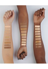 IsaDora - SKIN BEAUTY PERFECTING & PROTECTING FOUNDATION SPF 35 - Foundation - natural beige - 3