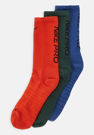 EVERYDAY MAX CUSHIONED CREW PRO 3 PACK - Sports socks - black