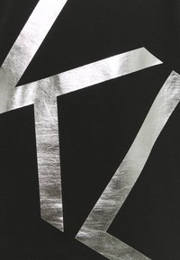Calvin Klein - GOLD BIG - T-shirt con stampa - black/silver - 2