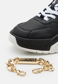Versace Jeans Couture - Sneakers basse - black/gold - 5