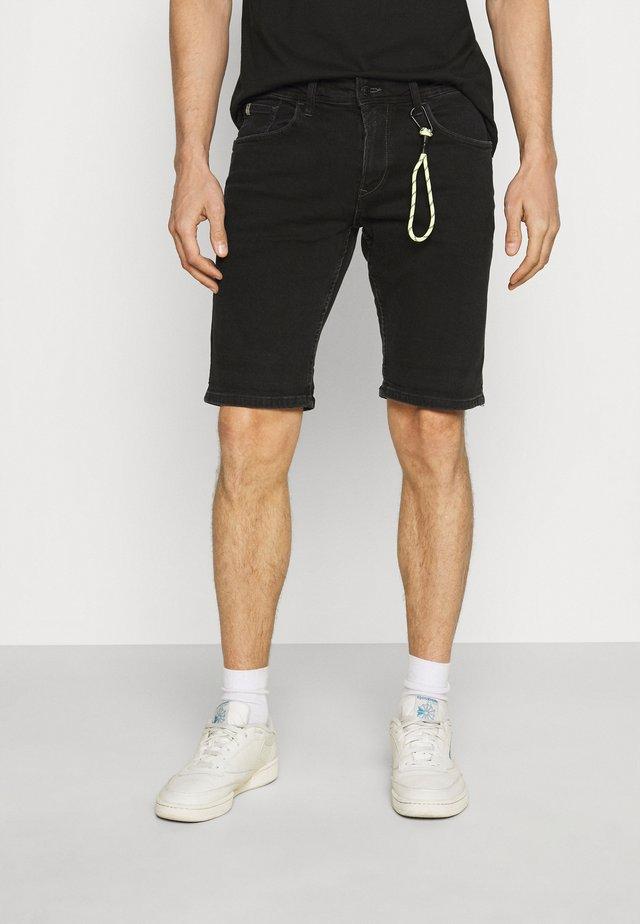 REGULAR FIT - Shorts vaqueros - black denim