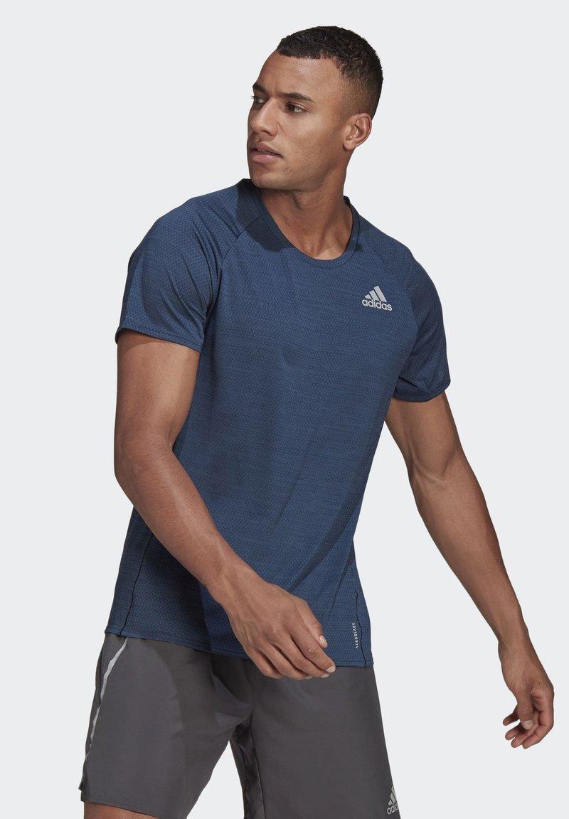 adidas Performance - RUNNER T-SHIRT - Print T-shirt - blue