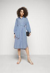 WEEKEND MaxMara - RAGAZZA - Robe chemise - azurblau - 1