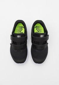 Nike Performance - STAR RUNNER 2 UNISEX - Hardloopschoenen neutraal - black/white/volt - 3