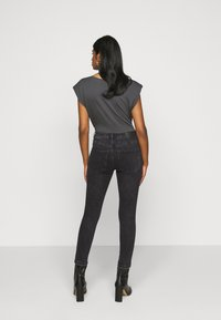 Vero Moda Petite - VMLOA  - Jeans Skinny Fit - black washed - 2