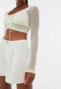 Bershka - MIT SCHLEIFE  - Long sleeved top - off-white - 3