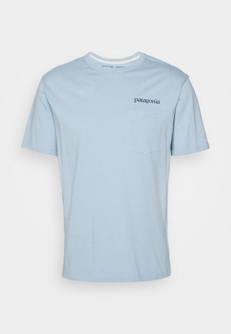 Patagonia - ROAD TO REGENERATIVE POCKET TEE - T-shirt imprimé - big sky blue