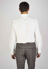 MDB IMPECCABLE - Formal shirt - white - 2