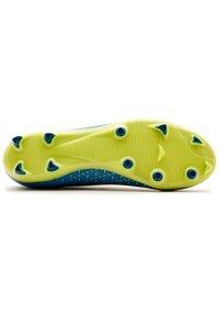 Umbro - Indoor football boots - teal, yellow - 1