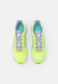 adidas Performance - GALAXAR RUN - Neutrální běžecké boty - hi-res yellow/silver metallic/halo silver - 3