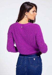 Guess - EMMA SWEATER - Jumper - violett - 2