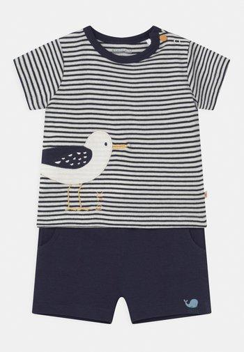 SET - Shorts - dark blue
