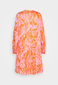 Emily van den Bergh - Day dress - orange/pink - 1