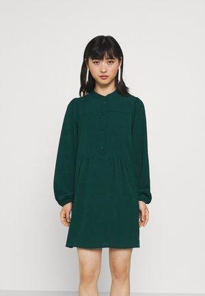 VMSAGA PLEAT SHORT DRESS - Shirt dress - sea moss