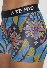 Nike Performance - SHORT FEMME - Tights - black/phantom - 4