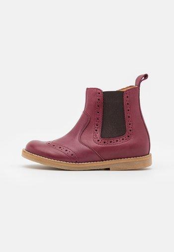 CHELYS BROGUE UNISEX - Classic ankle boots - bordeaux