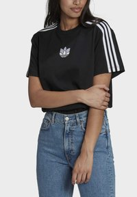 adidas Originals - LOOSE FIT TEE - T-shirt con stampa - black - 0