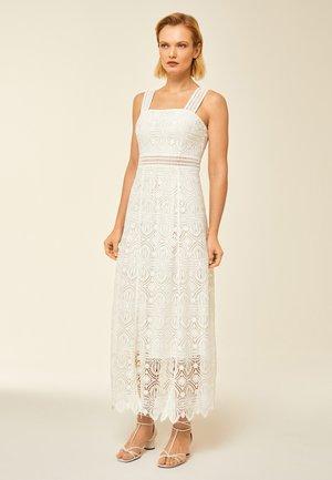 Maxi šaty - snow white