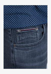 Tommy Hilfiger - Straight leg jeans - grey denim - 3