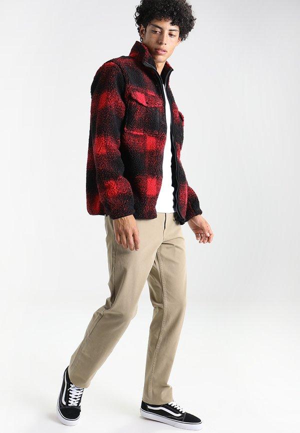 DOCKERS SMART FLEX ALPHA - Chinosy - british khaki/beżowy Odzież Męska TJAT