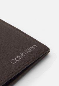 Calvin Klein - BIFOLD COIN - Plånbok - dark brown - 5