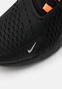 Nike Sportswear - AIR MAX 270 HU UNISEX - Trainers - black/metallic silver/laser orange - 5