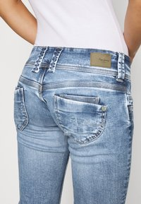 Pepe Jeans - VENUS - Jeans slim fit - denim - 5