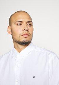 Calvin Klein - OXFORD - Shirt - white - 3