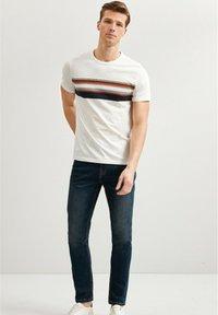 Next - T-shirt med print - white - 1