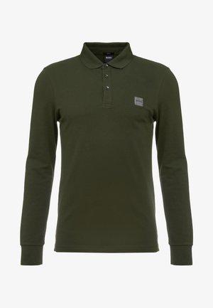 PASSERBY - Polo shirt - dark green