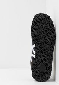 Armani Exchange - RUNNER - Trainers - black/white - 4