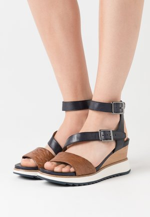 Platform sandals - navy/nut