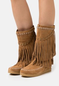 Colors of California - MEDIUM BOOT WITH FRINGES - Cowboy-/Bikerlaarzen - tan - 0