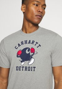 Carhartt WIP - BOXING  - Printtipaita - grey heather - 5