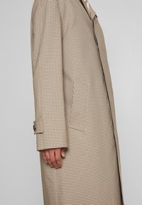 Joseph - FLORENCE HOUNDSTOOTH - Classic coat - camel - 6