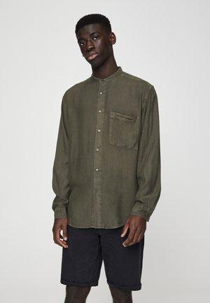 MIT MAOKRAGEN - Košile - khaki