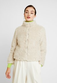 Vero Moda - VMVIRIGINIATEDDY HIGH NECK - Winter jacket - oatmeal - 0