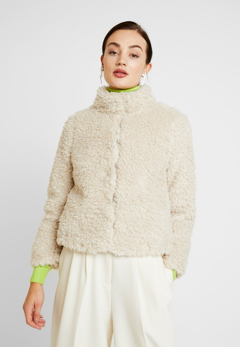 Vero Moda - VMVIRIGINIATEDDY HIGH NECK - Winter jacket - oatmeal