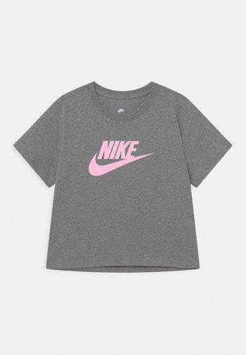 TEE CROP FUTURA  - Print T-shirt - carbon heather/pink foam