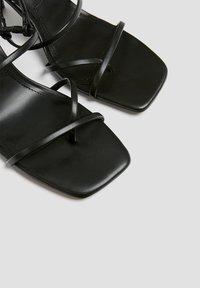 PULL&BEAR - Sandály na vysokém podpatku - black - 4