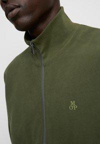 Marc O'Polo - LONG SLEEVE - Zip-up sweatshirt - burnt leaf - 3